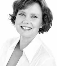 Anna Iben Hollensberg, speciallæge